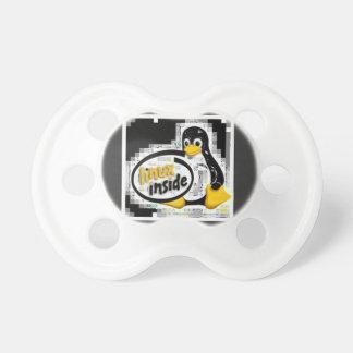 Tétine LINUX À L'INTÉRIEUR de Tux le logo de pingouin de