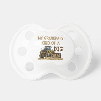 Tétine Mon grand-papa est un peu une affaire de FOUILLE
