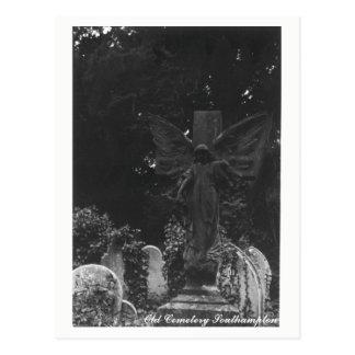 Texte de carte postale de cimetière de statue