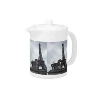 Théière de silhouette de Tour Eiffel petite