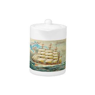 Théière vintage de bateau de tondeuse