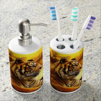 Tigre et coucher du soleil set de salle de bain