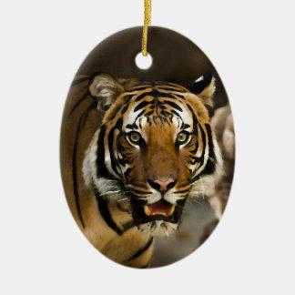 Tigre sibérien ornement ovale en céramique