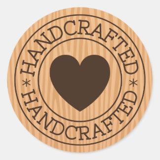 Timbre Handcrafted et brun avec le coeur sur la Sticker Rond