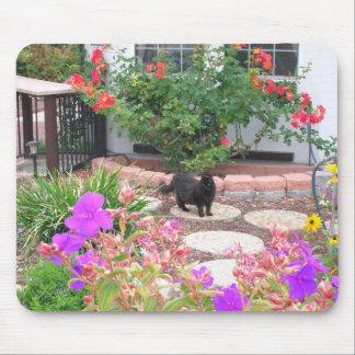 Tinkerbelle dans le jardin tapis de souris