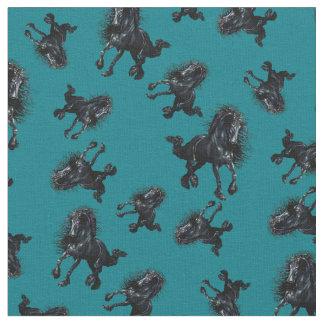 Tissu Étalon frison, cheval noir de beauté, bleu de