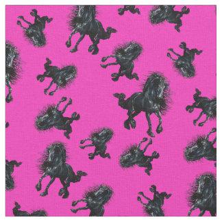 Tissu Étalon frison/cheval noir de beauté, rose lumineux