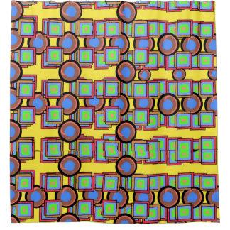 Tissu jaune de rideau en douche