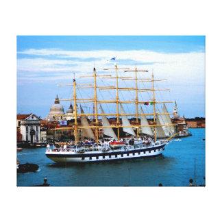 Toile Bateau de navigation de Venise