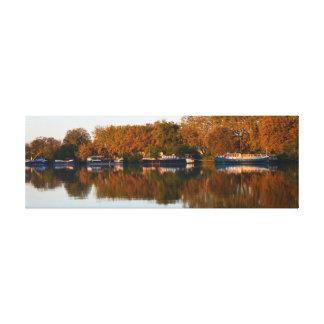 Toile Bateaux-maison sur la rivière le Rhône