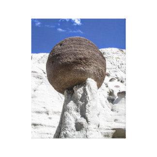 Toile Boule équilibrée de roche
