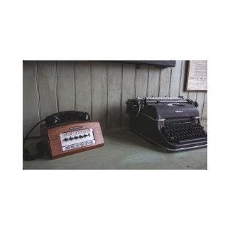 Toile Bureau de machine à écrire et de téléphone de cru