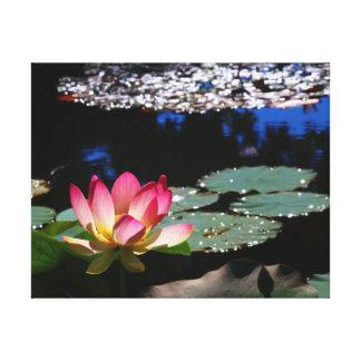Toile de lis de Lotus aux jardins submergés 1 Toiles