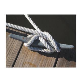 Toile La corde de bateau attachent vers le bas