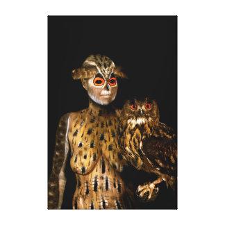Toile Owl by Johannes Stötter