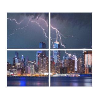 Toile Paysage urbain de New York la nuit avec la foudre