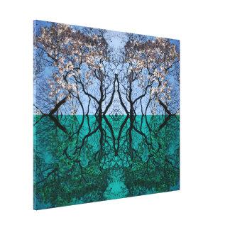 Toile Porte d'arbre entre l'eau et les mondes de ciel