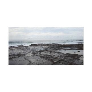 Toile Soirée par la piscine de roche
