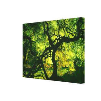 Toile Sous l'arbre en vert et jaune