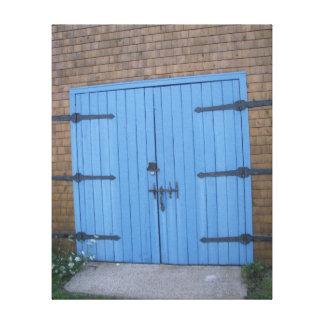 """Toile """"Toile bleue d'image de porte de grange """""""