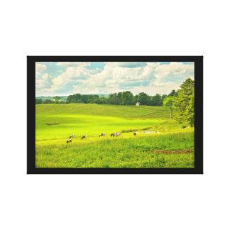Toile Vaches frôlant sur l'herbe dans le domaine de