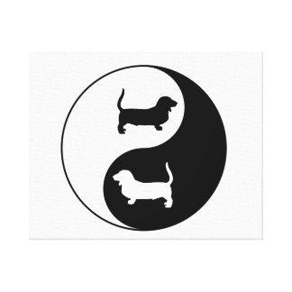 Toile Yin et Yang Basset Hound