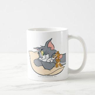 Tom et Jerry sur le coussin Mug Blanc