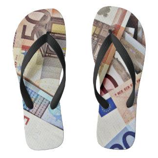 Tongs Euro chaussures de billet de banque