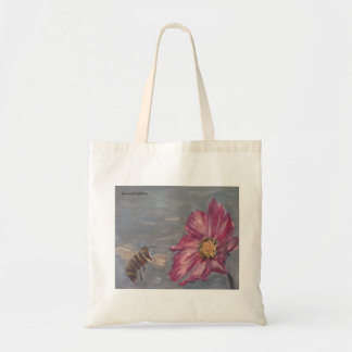 Tote Bag Abeille bourdonnant sur un fleur sauvage de