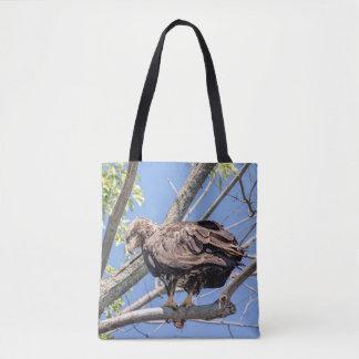 Tote Bag Eagle chauve non mûr avec un poisson-chat