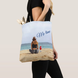 Tote Bag Femme sur la plage avec la boisson je temps