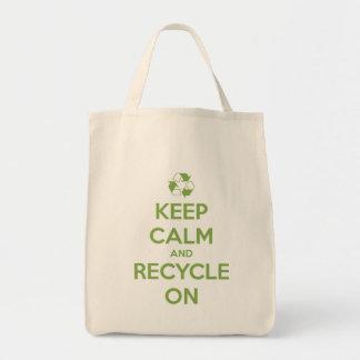 Tote Bag Gardez le calme et le réutilisez sur le vert sur