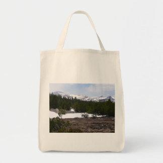 Tote Bag Sierra montagnes et neige de Nevada chez Yosemite