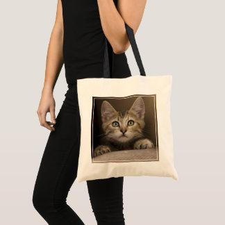 Tote Bag Un chaton tigré très doux