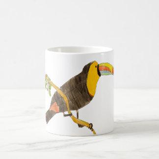 Toucan sur une tasse de branche