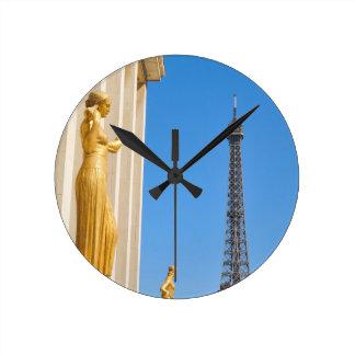 Tour Eiffel (visite Eiffel) à Paris, France Horloge Ronde