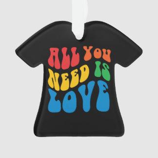 Tout que vous avez besoin est T-shirt d'amour
