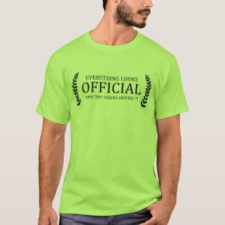 Tout semble officiel avec le feuille minuscule t-shirt