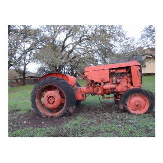 Tracteur rouge carte postale