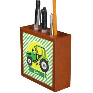Tracteur vert de ferme avec le jaune ;  Vert et