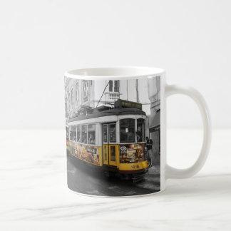 Tram 28 % pipe% Eletrico 28 Lisbonne de Lisbonne Mug
