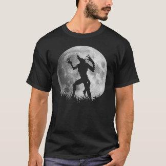 Transformation fraîche de pleine lune de t-shirt