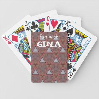 Triangle modelée jeu de cartes