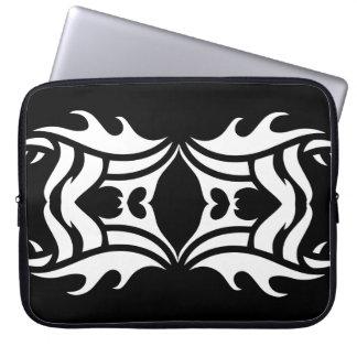 Tribal laptop sleeve 10 white over black trousses pour ordinateur portable