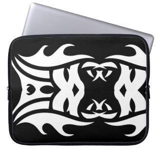 Tribal laptop sleeve 2 white over black housse ordinateur