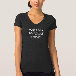 Trop paresseux d'adulte au T-shirt du V-Cou des