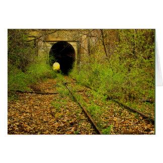 Tunnel abandonné de train carte de correspondance