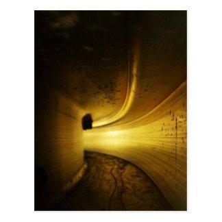 Tunnel de lumière carte postale