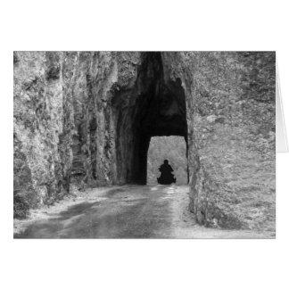 Tunnel de route d'aiguilles carte de vœux