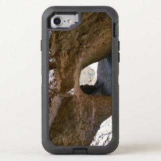 Tunnel sur la traînée semi-transparente de boucle coque OtterBox defender iPhone 8/7